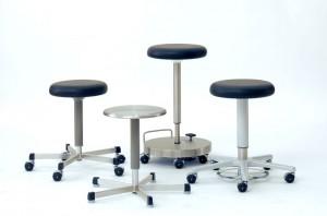 Les tabourets et fauteuils BECKER offrent des caractéristiques optimales : ils sont agréables car ils permettent une assise relaxante, et sont techniquement aboutis.